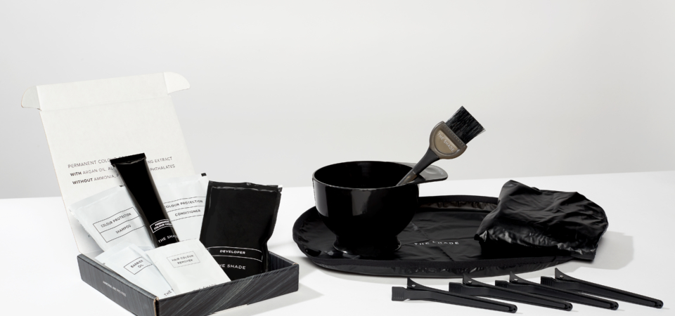 Salon accessories; tint brush and bowl